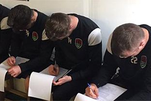 Почти каждый пятый профессионалный футболист получал предложения о договорном матче